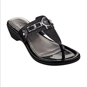 🌎Marc Fisher Sandals